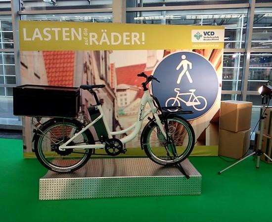 """gobaX-Rad auf der IAA Nutzfahrzeuge 2014 am Stand des VCD-Projekt """"Lasten auf dei Räder!"""""""
