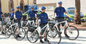 Fahrradstaffel des Stuttgarter Polizeipräsidiums mit acht neuen Pedelecs im Juli 2015.