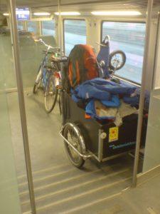 Familienurlaub mit Cargobike und Bahn