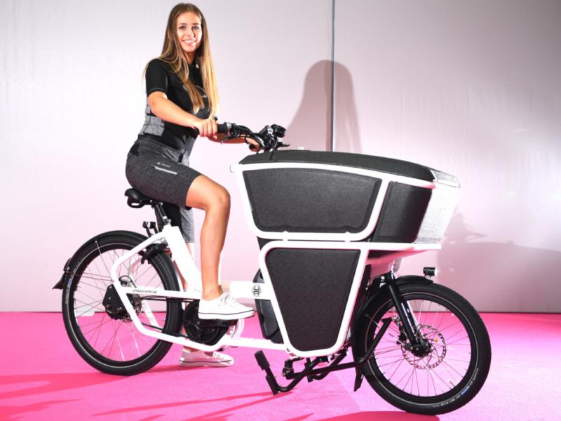 cargobikes mit prominentem auftritt bei eurobike 2018. Black Bedroom Furniture Sets. Home Design Ideas