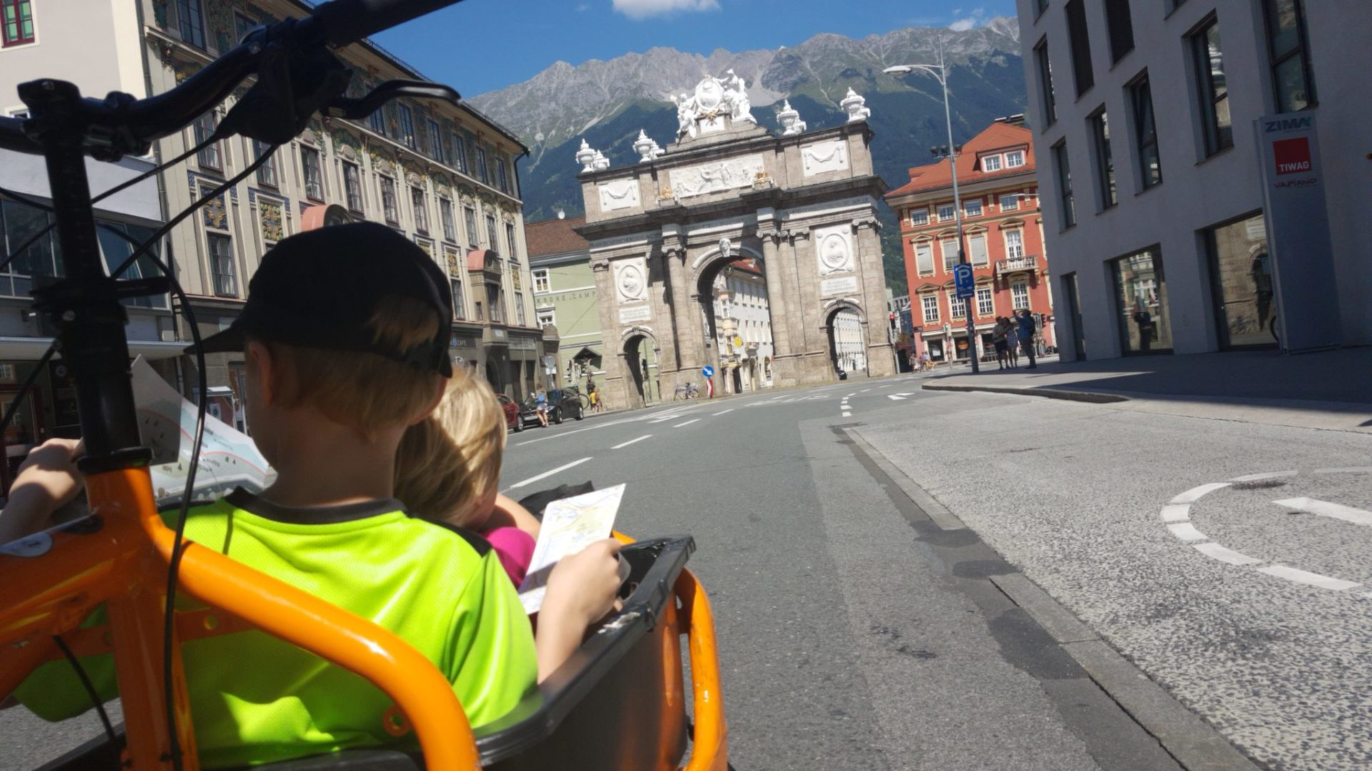 Städteurlaub mit Kids und Cargobike Sharing in Innsbruck