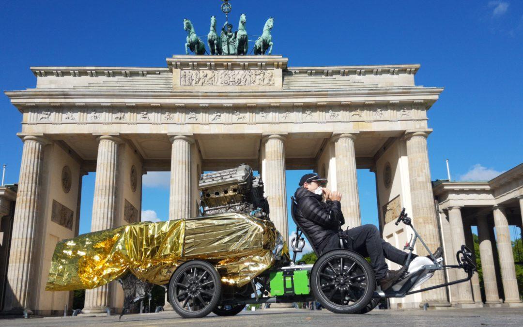 Mit Cargobike und heiligem Verbrenner zum Autogipfel in Berlin